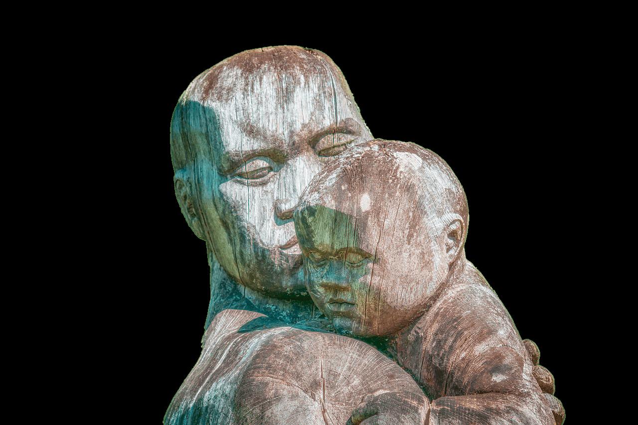 Escultura mamá e hijo
