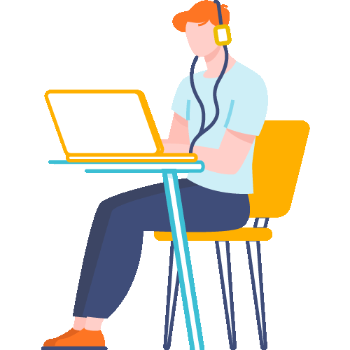 Hombre sentado con audífonos y frente a laptop