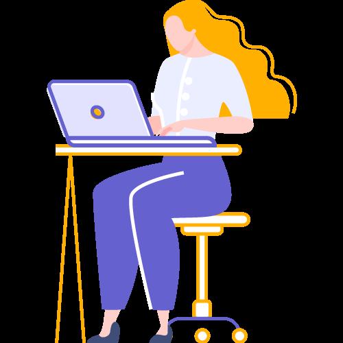 Joven sentada frente a computadora